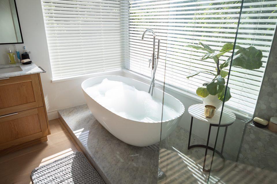 Passende Sichtschutzlösungen für Badezimmer-Fenster